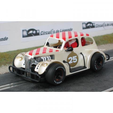 Pioneer Chevy Coupe 37 Branco Buttermilk -  Santa Claus #25 P084